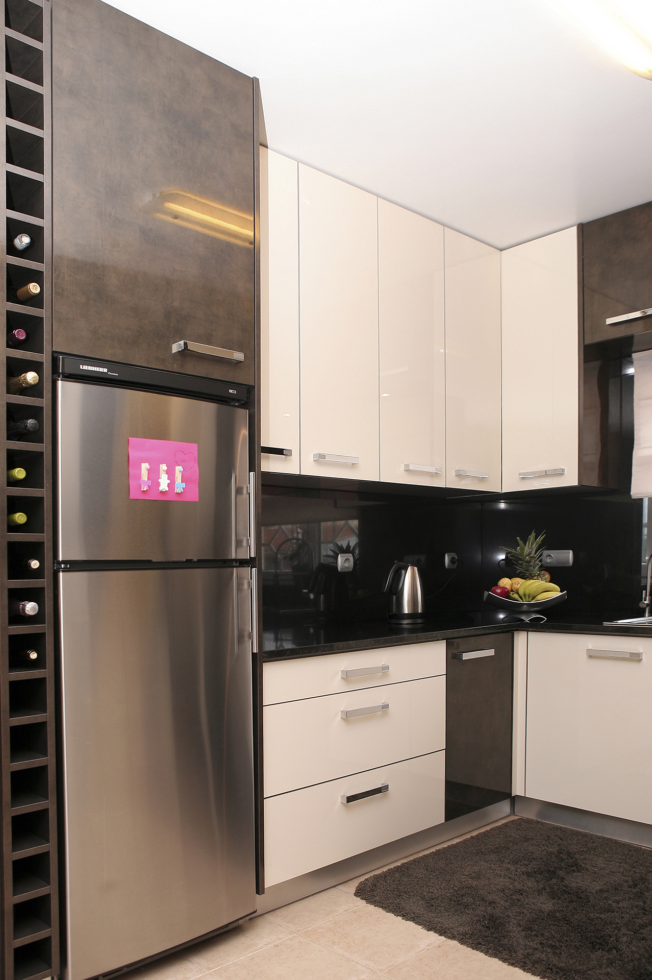 Cozinha em Luxe Ouro metalizado e Creme metalizado