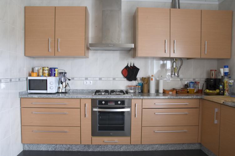 Cozinha em Faia com veio horizontal