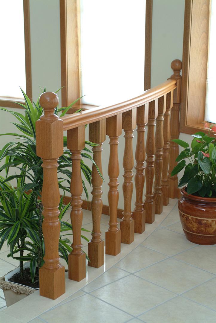 Balaustres com colunas e corrimão