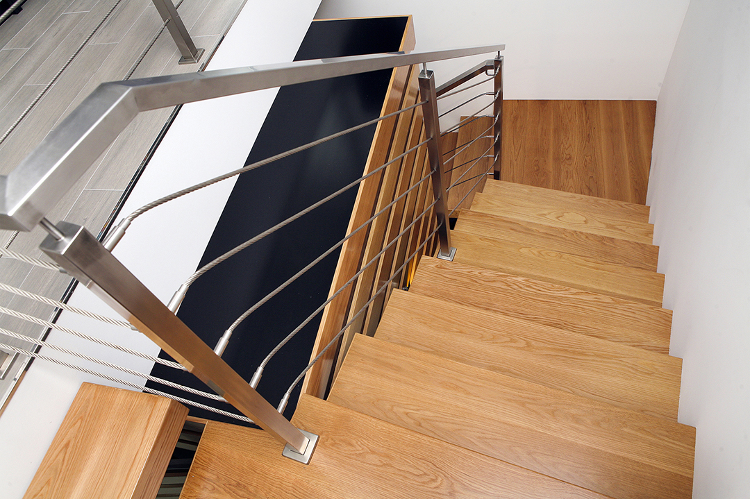 Escadas em Madeira e Inox